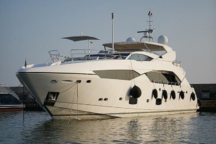 This 115.0' Sunseeker cand take up to 10 passengers around Monaco-Ville