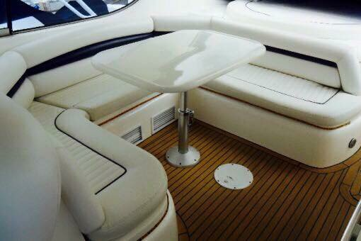 Discover CANCUN surroundings on this Predator Sunseeker boat