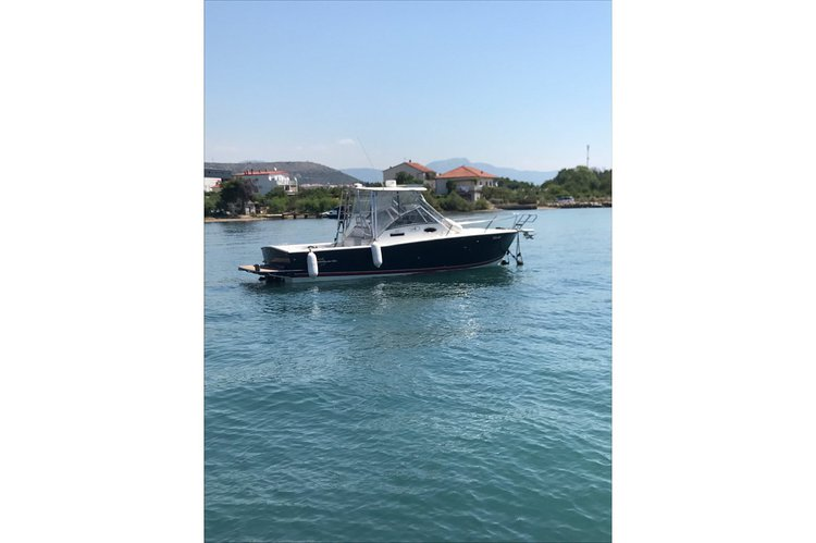 Express cruiser boat for rent in Split region