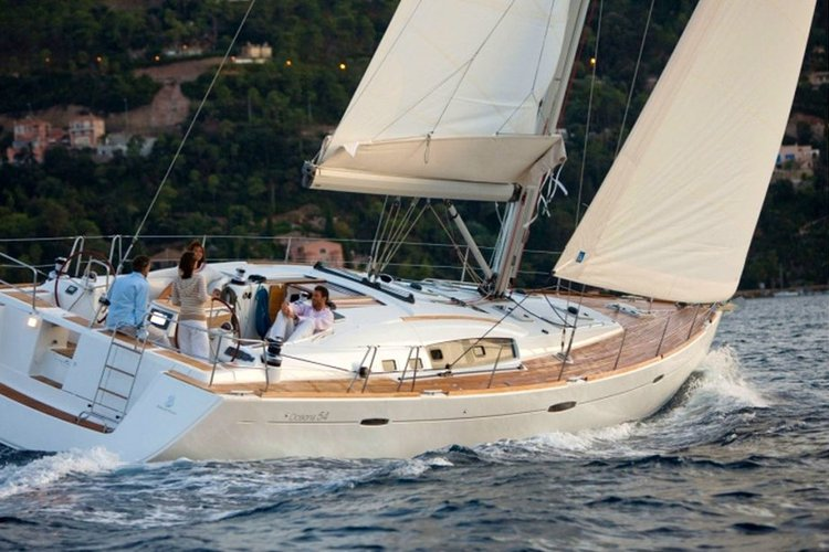 Discover beautiful Sardinia on board an Oceanis 54