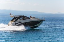 A new sport cruiser with stunning style just for you - PearlSea 31 Hard Top