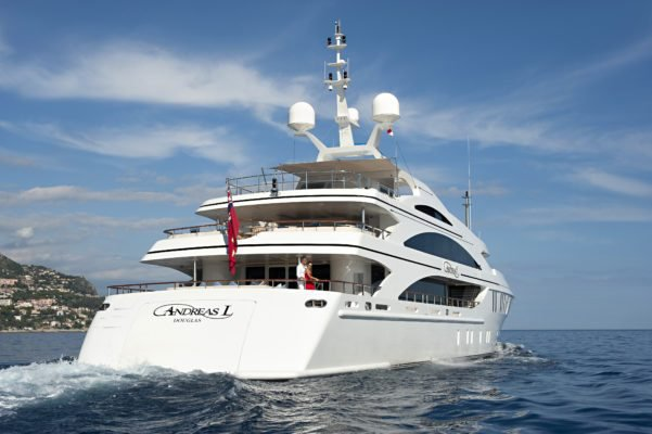 This 196.85' Benetti cand take up to 12 passengers around