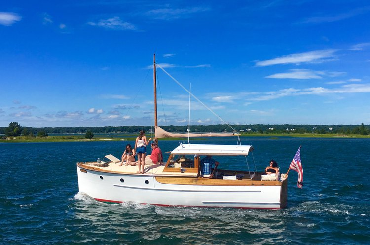 Classic boat for rent in East Hampton