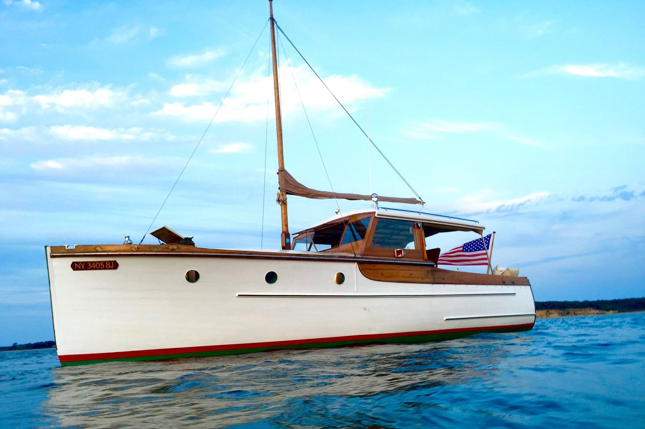 Super Yachts and Motor Boat Rentals in East Hampton