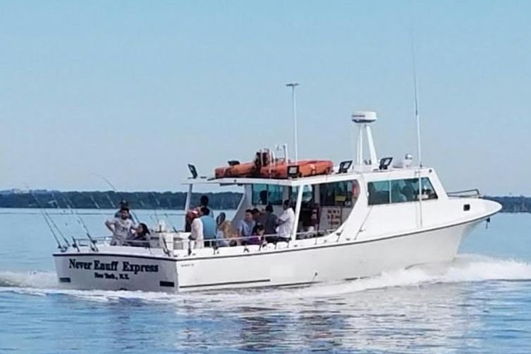 Up to 22 persons can enjoy a ride on this Saltwater fishing boat