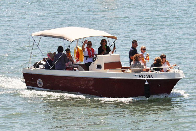 RONIN BOAT TOURS