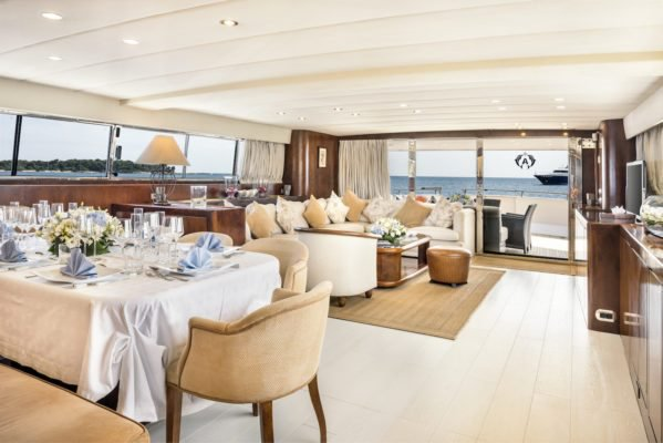 This 108.27' Spertini – Alalunga Italy cand take up to 40 passengers around Cannes