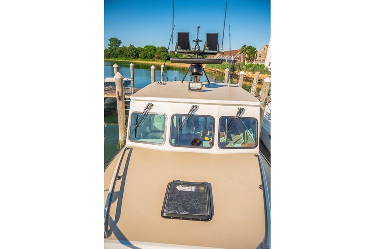 Offshore sport fishing boat rental in My Mate Charters Montauk Yacht Club,