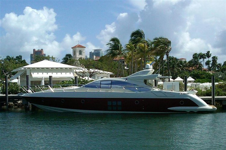 Up to 16 persons can enjoy a ride on this Azimut boat