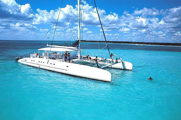 Cruise through the Mediterranean on this luxurious Fountaine Pajot  catamaran