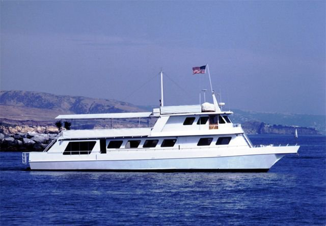 Cruise, enjoy & explore Newport Beach onboard a elegant motor yacht