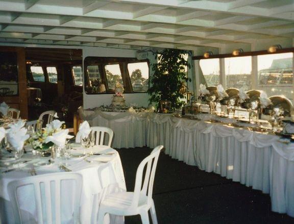 Discover Newport Beach surroundings on this Custom Custom boat