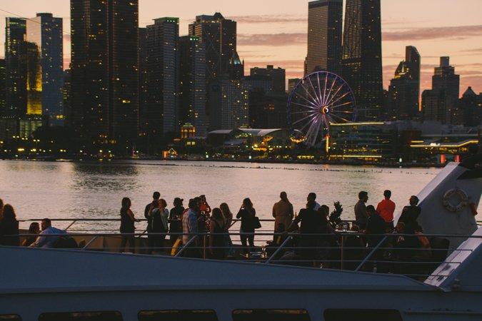 Discover Chicago surroundings on this Custom Custom boat