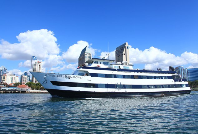 Rent a splendid party yacht in San Diego