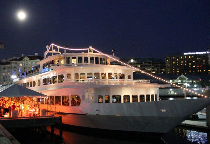 Mega yacht boat rental in Tampa, FL