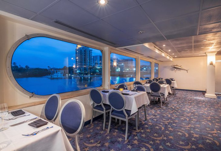Mega yacht boat for rent in Tampa