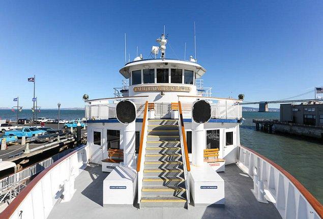 Discover Sf surroundings on this Custom Custom boat