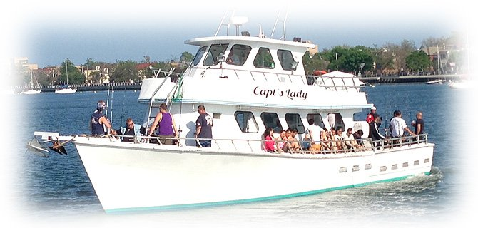 Explore New York on a spacious and comfortable  motor yacht