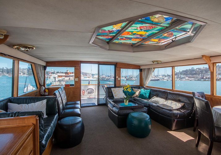 Discover Sausalito surroundings on this Custom Custom boat
