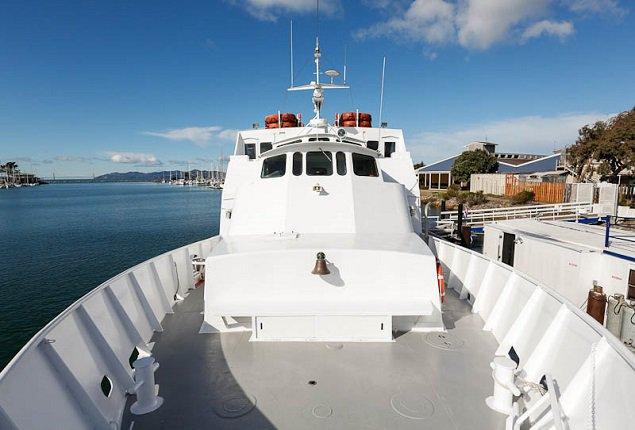 Rent a custom custom 98 39 motorboat in sf ca on sailo for Motor boat rental san francisco