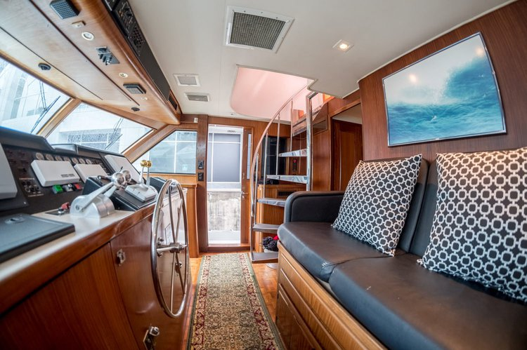 Discover North Myrtle Beach surroundings on this Aft Cabin Motoryacht Hatteras boat
