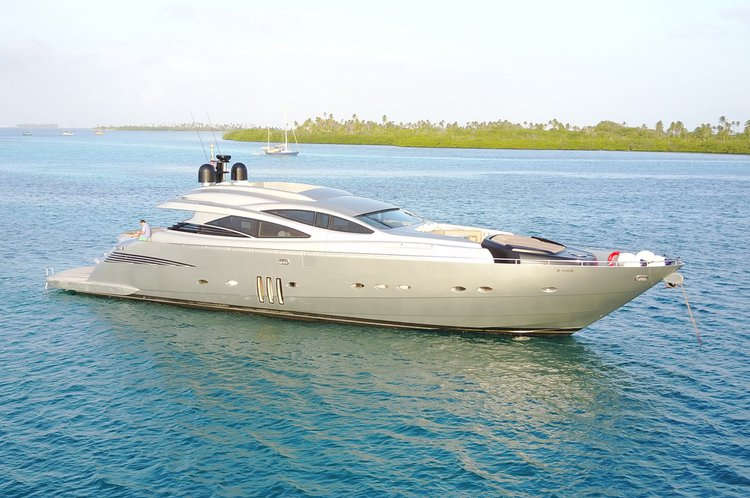 90' Pershing Sleekest, fastest yacht on our fleet!