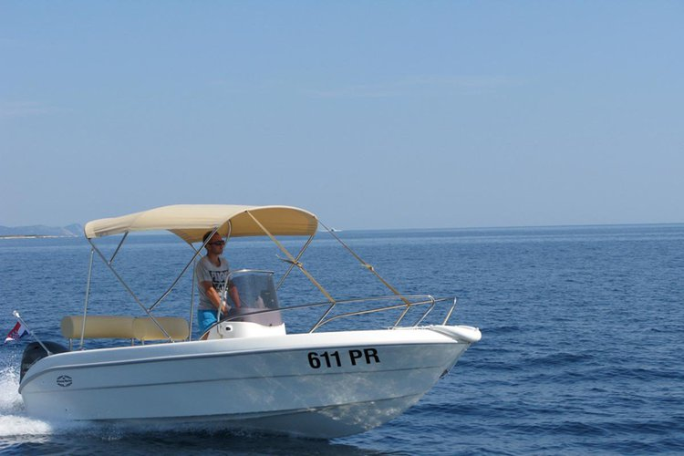 Perfect speedboat for fishing trips or family and friends excursions in Ugljan