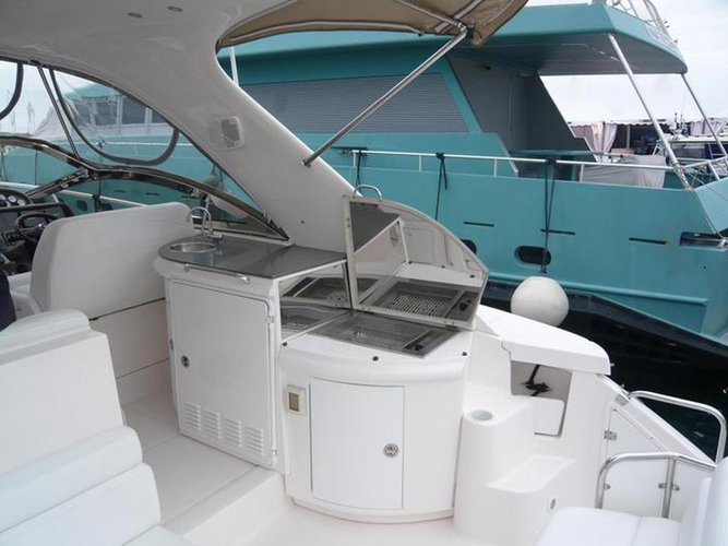 Discover Alimos surroundings on this COMMODORE 4460 REGAL boat