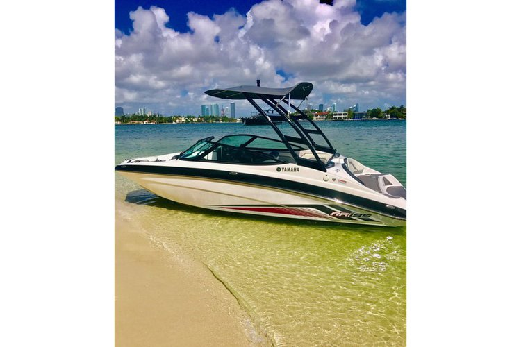 2017 Yamaha AR195 Bowrider for Rent in Miami Beach
