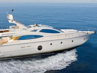 The ideal superyacht for socializing and entertaining with family and friends