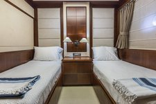 thumbnail-24 Azimut 85.0 feet, boat for rent in Miami,