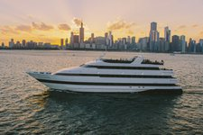 Charter a elegant motor yacht in Chicago, Illinois