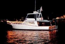 Cruise Newport beach on elegant yacht