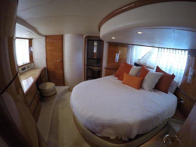 Discover Dubrovnik region surroundings on this Azimut 62 Azimut / Benetti Yachts boat