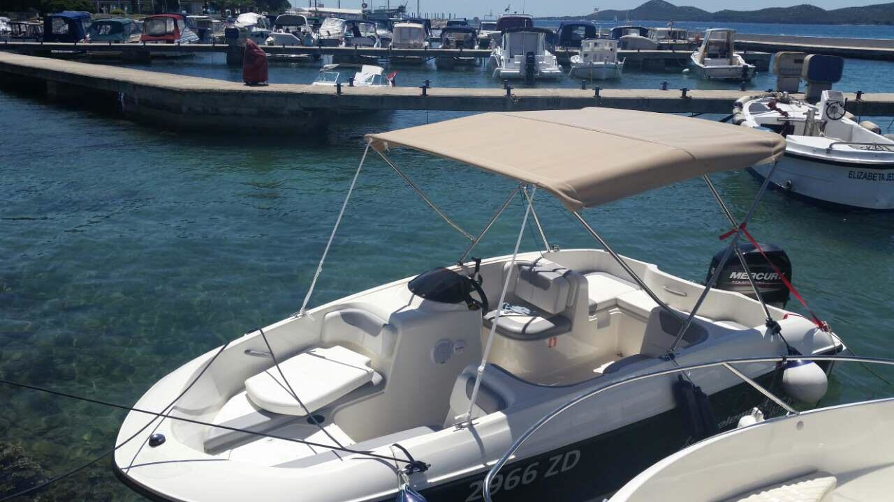 6624 Motor 16 0' Boat Rental Zadar region, HR | Sailo