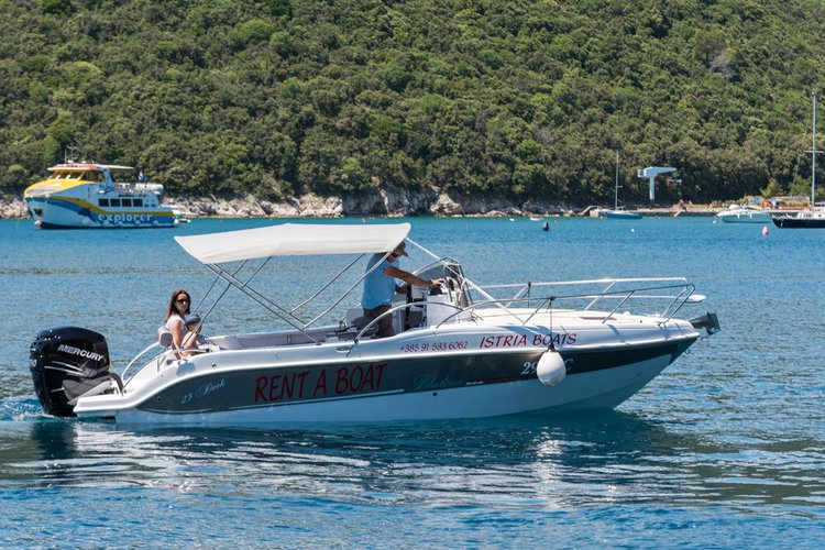 Discover Istra surroundings on this Bluline 23 Sundeck Blumax (Bluline) boat