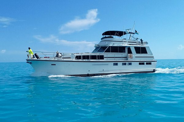 This 65.0' Chris Craft cand take up to 25 passengers around