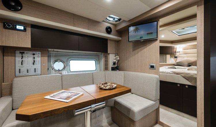 Discover Split region surroundings on this Cranchi Z35 Cranchi boat