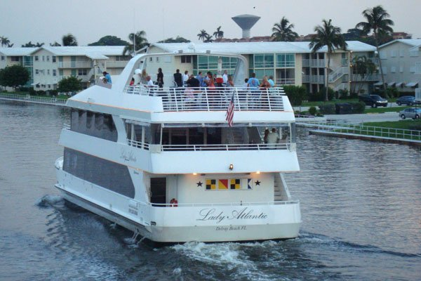 Up to 150 persons can enjoy a ride on this Motor yacht boat