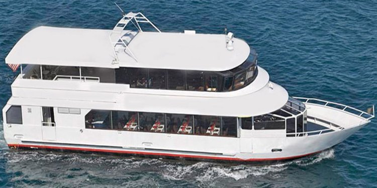 Explore Florida onboard the newest & most luxurious yacht