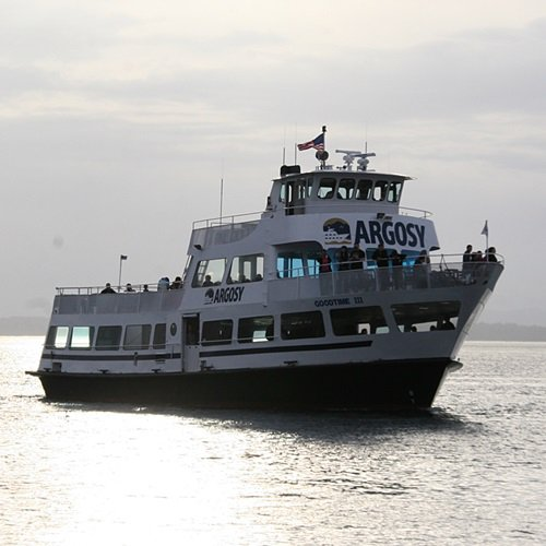 Charter a perfect party vessel in Washington