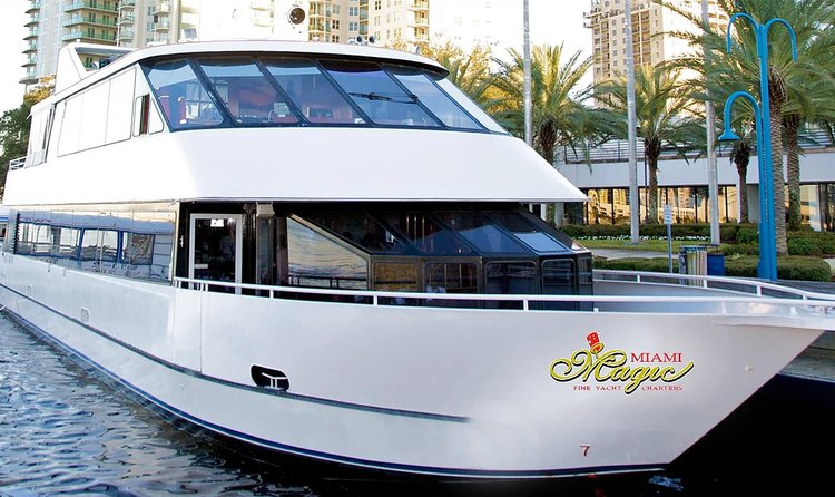 Have fun in Florida onboard this sleek motor yacht