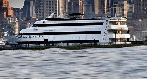 Enjoy Cruising onboard one of the largest party vessel in New Jersey