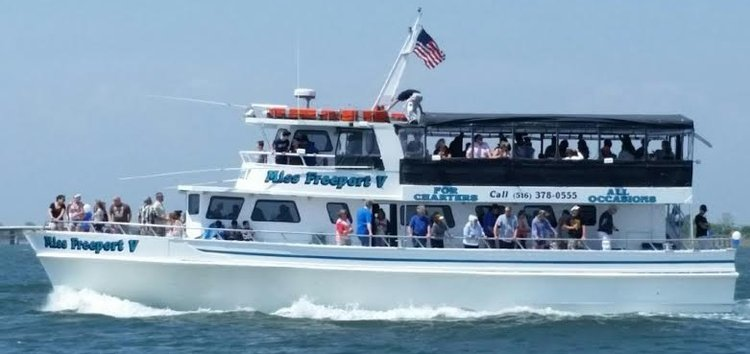 Motor yacht boat rental in Freeport, NY