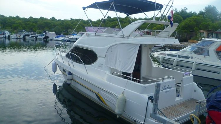 Boat for rent Galeon Boats 29.0 feet in Solaris Yacht Marina, Croatia