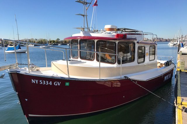 Up to 2 persons can enjoy a ride on this Trawler boat