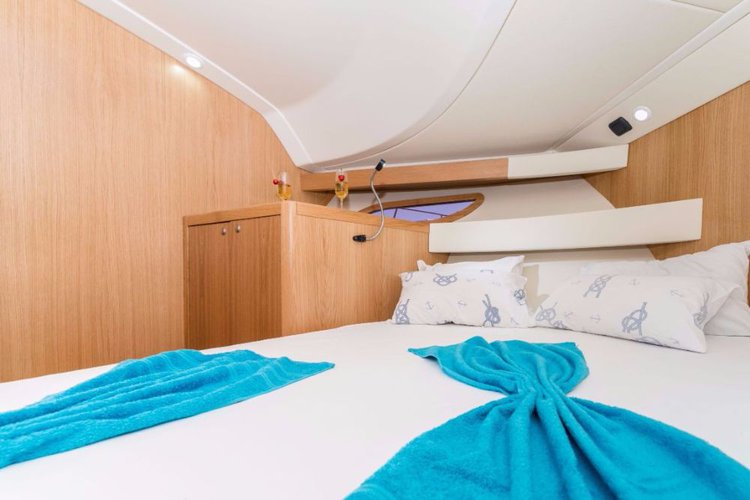 Boat for rent SAS - Vektor 38.0 feet in ACI Marina Jezera, Murter,