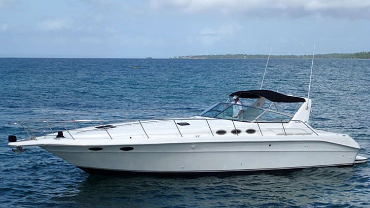 Motor Yacht Charter and Tour