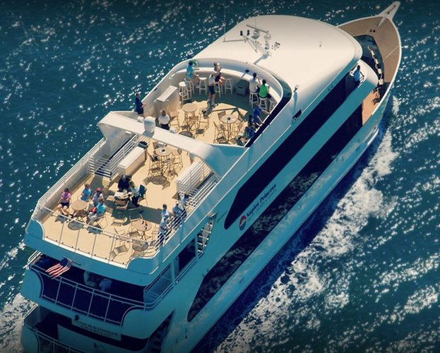 Motor yacht boat for rent in Naples