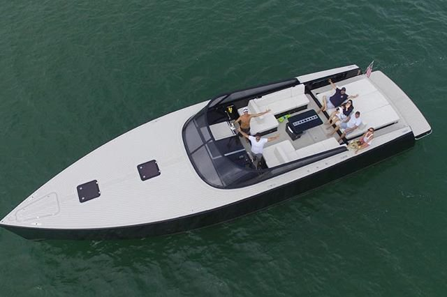 Luxury VanDutch 55' - Seabob Submarine, Captain, Mate and Gas included